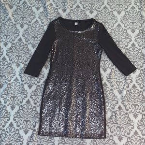 ✨ Old Navy Charcoal Grey Sequin Fitted Dress XS ✨